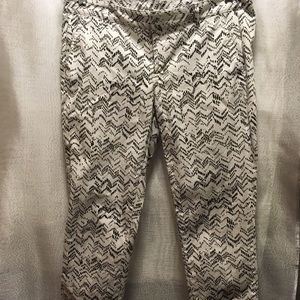 GAP Pants - Gap Skinny Mini Khaki Pants white & black size 4